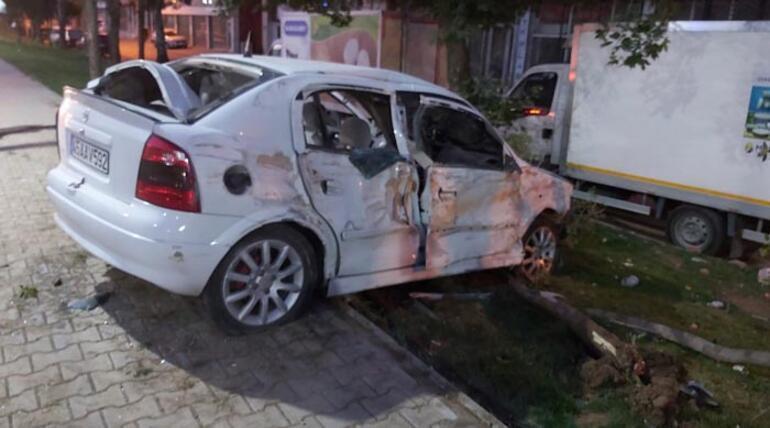 Otomobille muhtarlık binasını yıktı, kazadan sonra kaçtı
