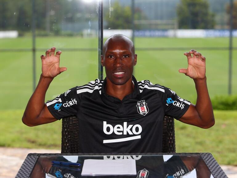 Son dakika transfer: Beşiktaşta Atiba, Gökhan Töre, Utku Yuvakuran ve Necip Uysal ile yeni sözleşme imzalandı