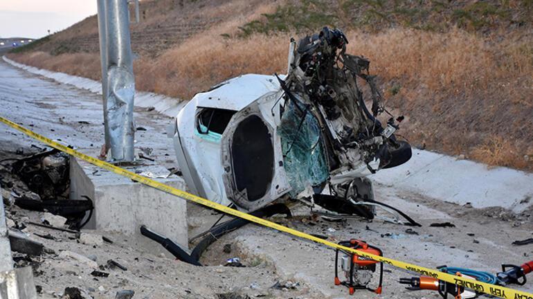 Feci kaza Tuzla buz olan araçtan sağ çıkamadılar