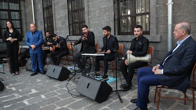 Diyarbakırlı öğrenci davet etmişti Cumhurbaşkanı Erdoğan, gençlerle buluştu