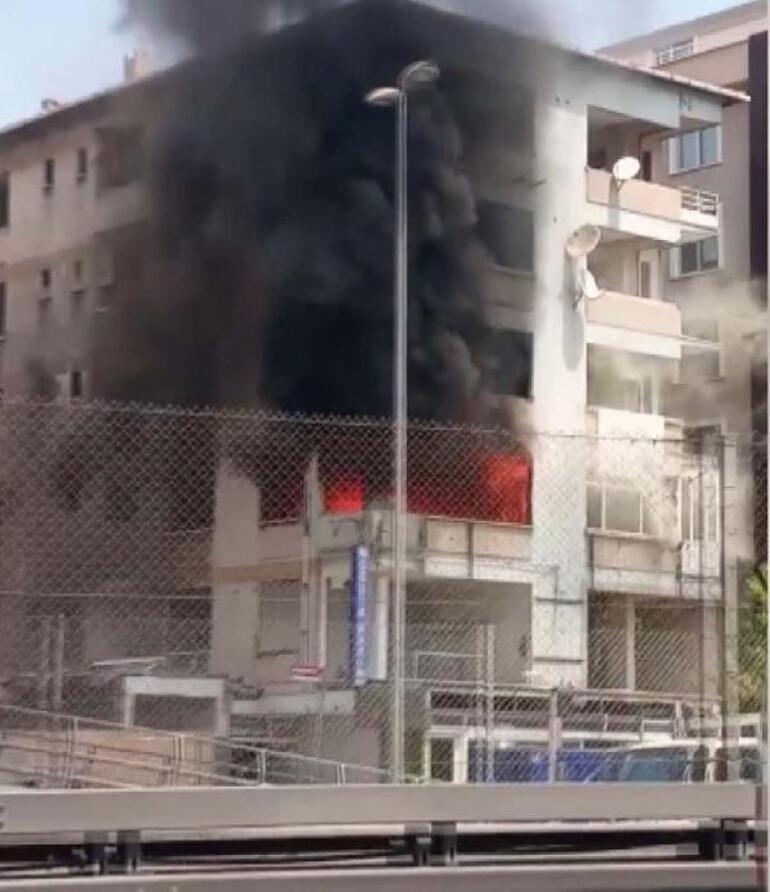 Son dakika... İstanbulda 5 katlı binada yangın paniği