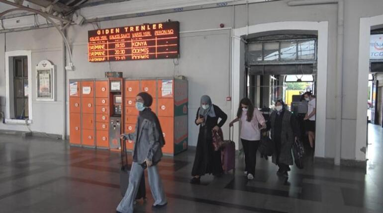 15 ay sonra İzmir Mavi Treni 300 yolcusuyla yola çıktı