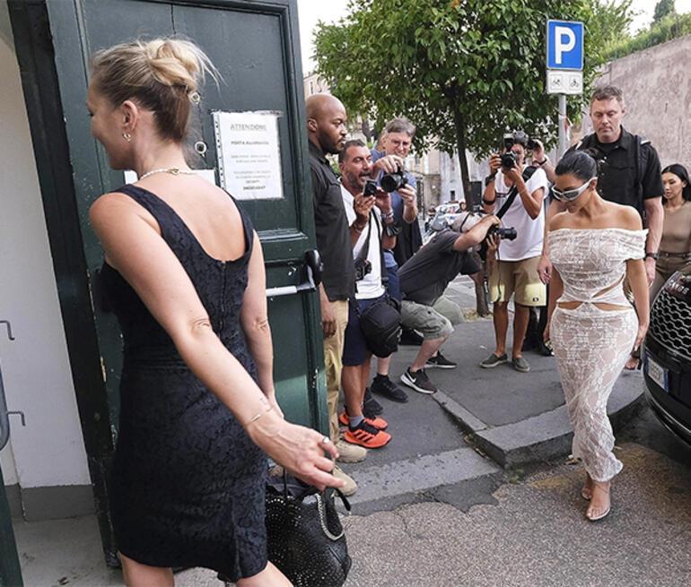 Kim Kardashian hayranı olduğu Kate Moss ile anlaştı