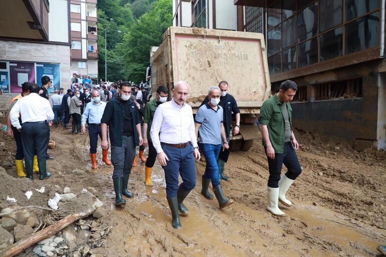 Bakanlar afet bölgesinde İncelemeler sürüyor