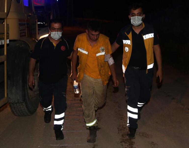 Hassadaki orman yangınında 2 itfaiye eri dumandan etkilendi