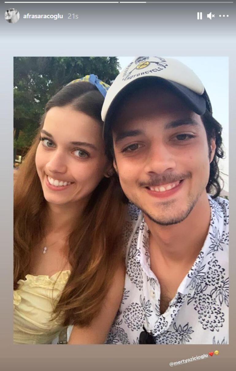 Afra Saraçoğlu ve Mert Yazıcıoğlu çiftinden güldüren fotoğraf