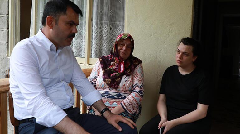 Bakan Kurum, Rizede heyelanda hayatını kaybedenlerin ailelerini ziyaret etti