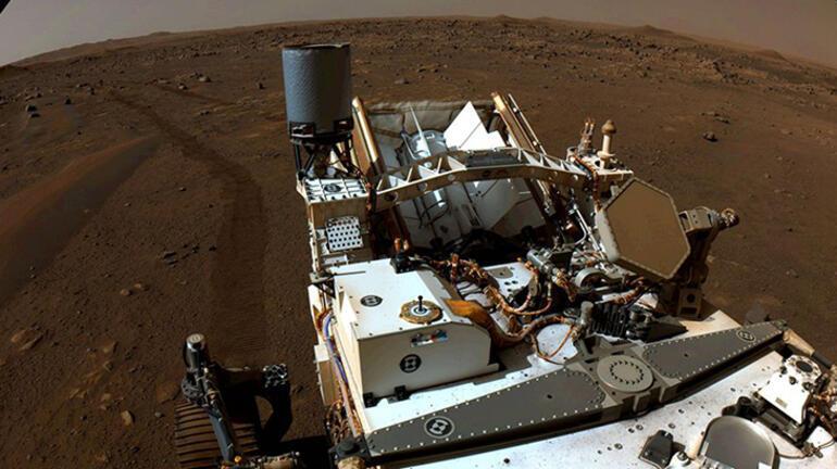 NASA'nın Mars gezgini Perseverance ilk kaya örneğini alacak