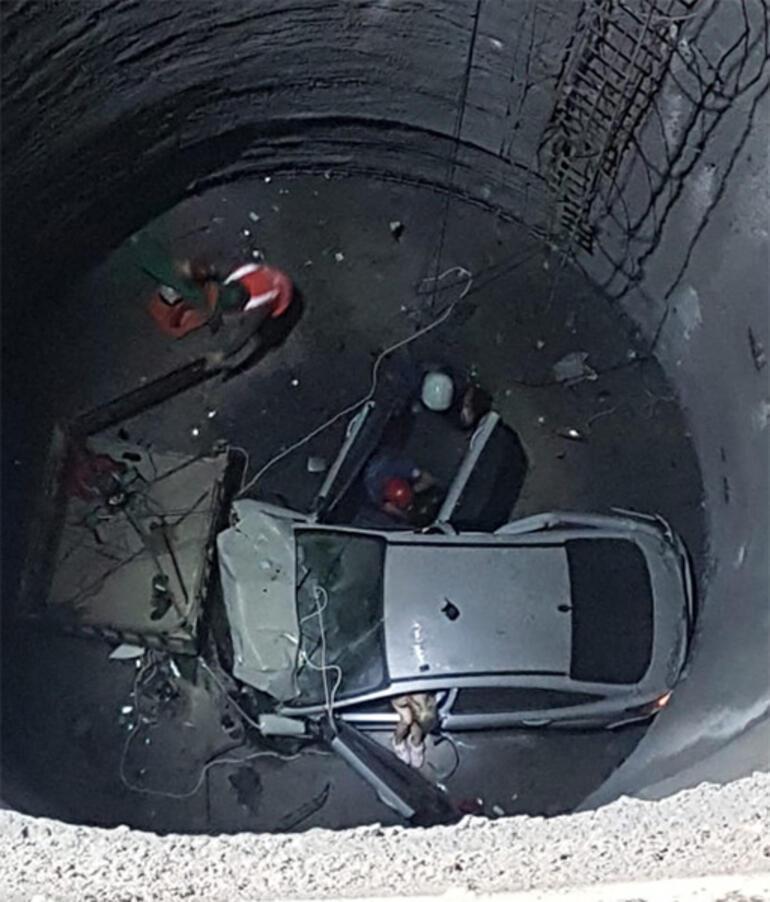 Yer: İzmir... 25 metrelik boşluğa düştü