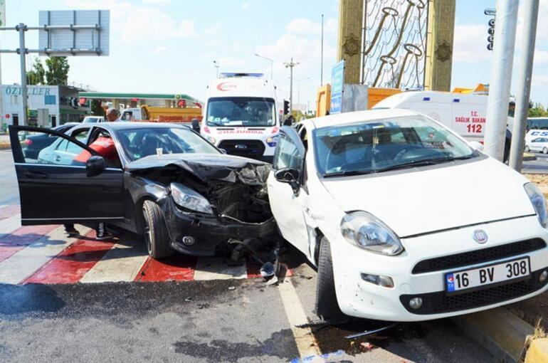 Hastanedönüşü kaza: Yaralılar var