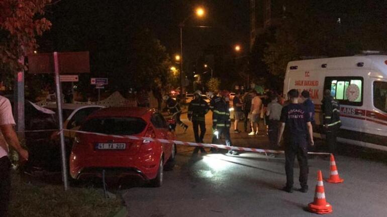 Kavşakta iki otomobil çarpıştı: 2si çocuk 6 yaralı
