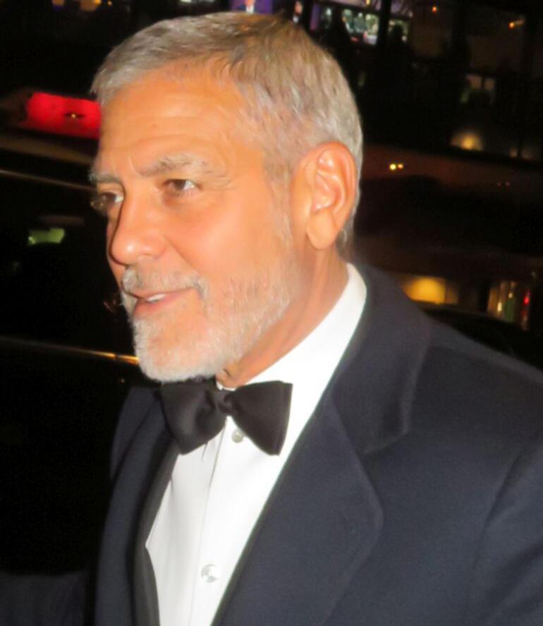 George Clooneynin lüks malikanesi sele kapıldı