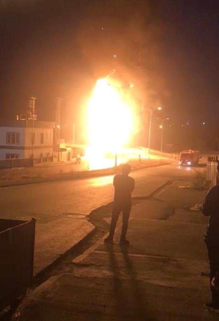 İstanbulda halk otobüsü alev alev yandı
