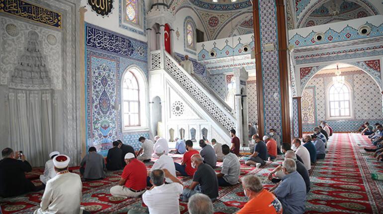 Diyanet İşleri Başkanı Erbaş, Manavgat Külliye Camisinde hutbe irat etti