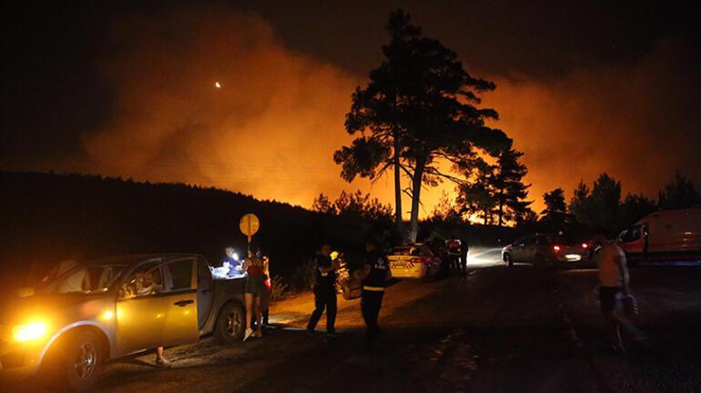 Son Dakika Haberleri: Alevler hızla ilerliyor İşte son durum...