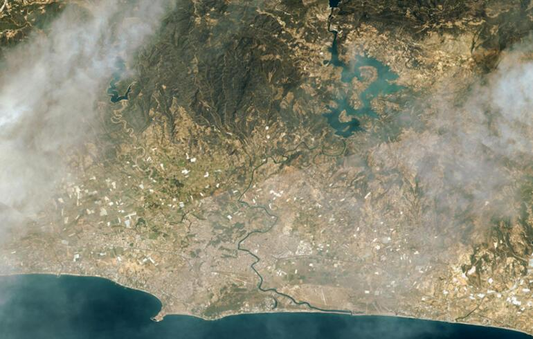 Göktürk uyduları, Manavgat ve Marmaristeki yangınları uzaydan görüntüledi