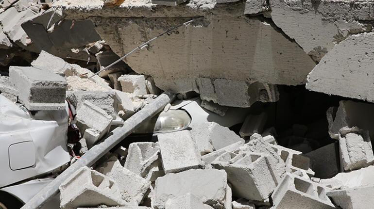 Son dakika... Gaziantepte 5 katlı boş bina çöktü
