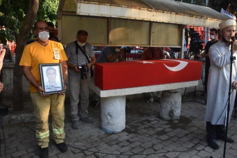 Yangında hayatını kaybeden orman işçisi toprağa verildi