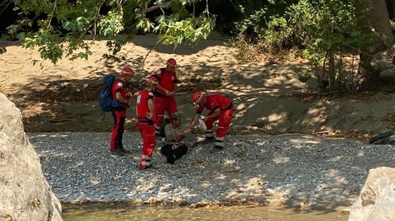Manavgatta yangında mağaraya sığınan çoban ve 45 keçisi kurtarıldı