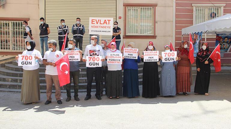 Diyarbakırda evlat nöbetindeki ailelerin eylemi 700üncü günde
