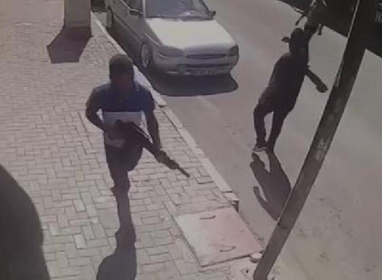 İzmirde silahlı kavga: 3 yaralı