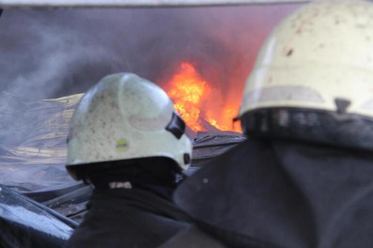Kara dumanlar kenti kapladı Panik yarattı