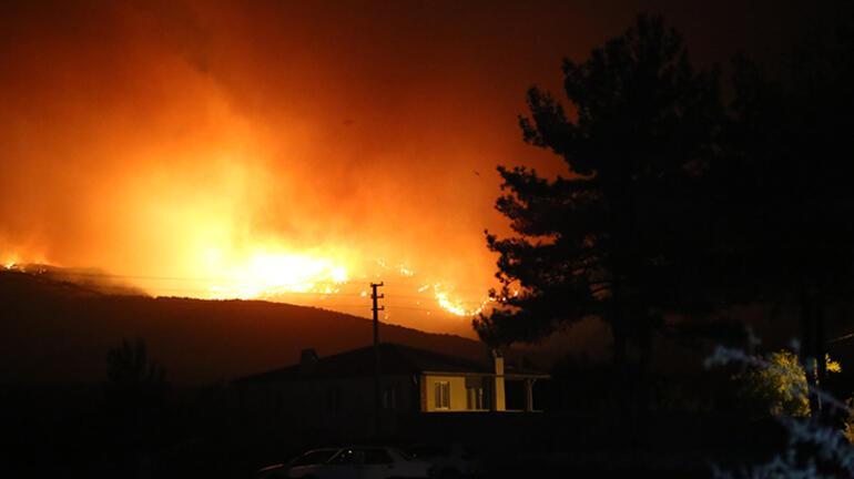 Kavaklıdere ilçesindeki orman yangını Menteşeye ulaştı