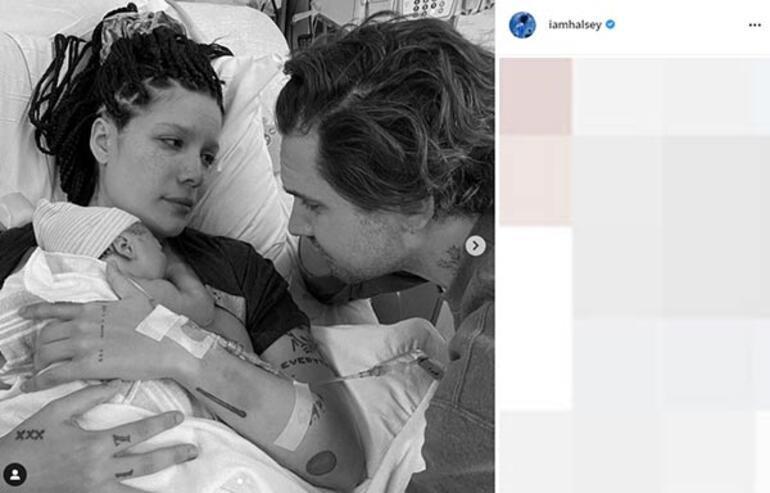 Halsey bebeğini emzirdiği anları paylaştı