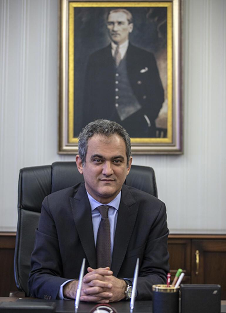 Son Dakika Haberi: Milli Eğitim Bakanı değişti Ziya Selçukun yerine Prof. Dr. Mahmut Özer atandı