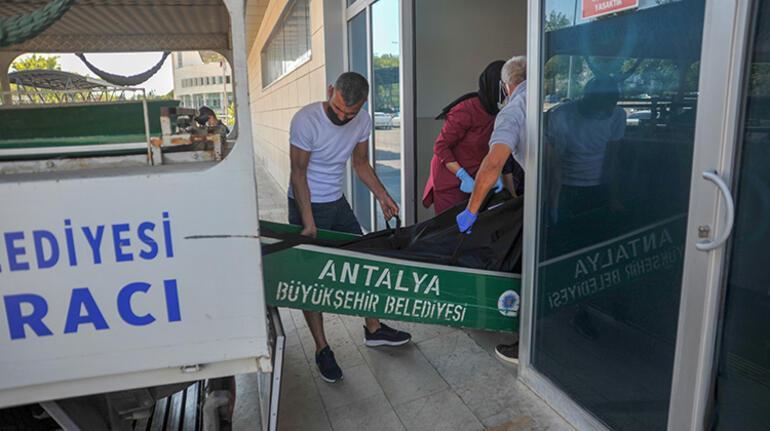Antalyada bir kişi tartıştığı eski eşi ve kayınvalidesini silahla öldürdü
