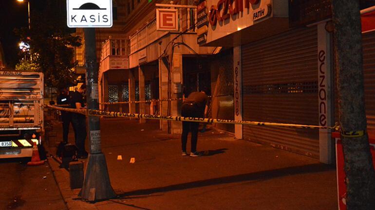Beyoğlunda hareketli dakikalar Kafede oturan 2 kişiye ateş açıldı
