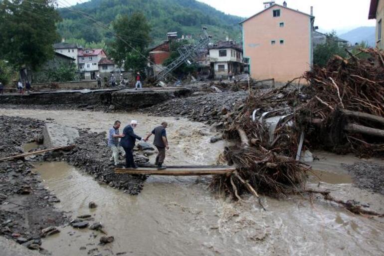 Kastamonudaki sel felaketinde köprü çöktü