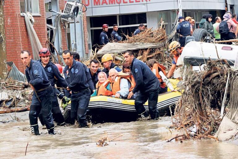Sel felaketi 17 can aldı