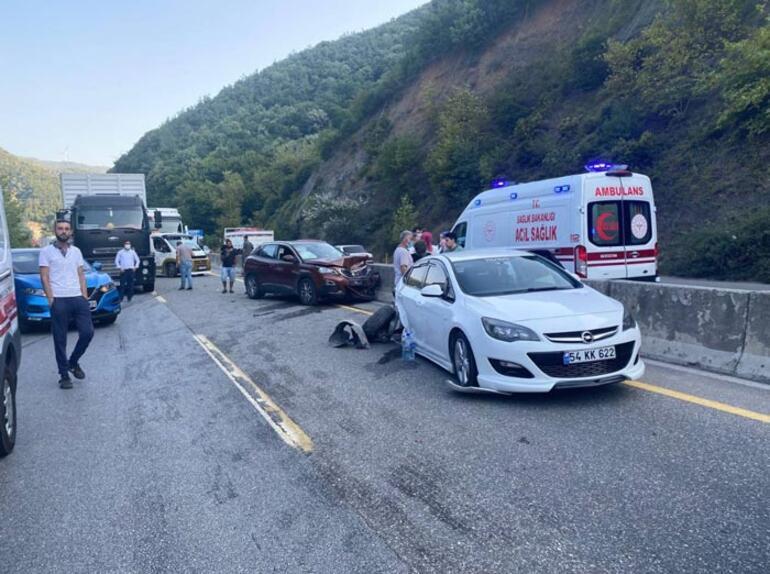Zincirleme trafik kazası Yaralılar var