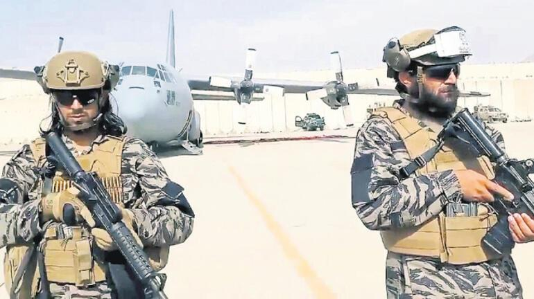 Binlerce Afgan yolda