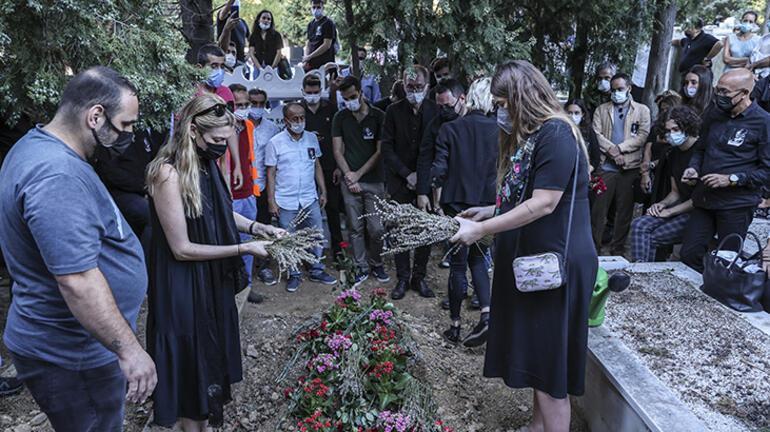 Ferhan Şensoyu anma töreninde gözyaşları sel oldu Ölümden hiç korkmadı babam