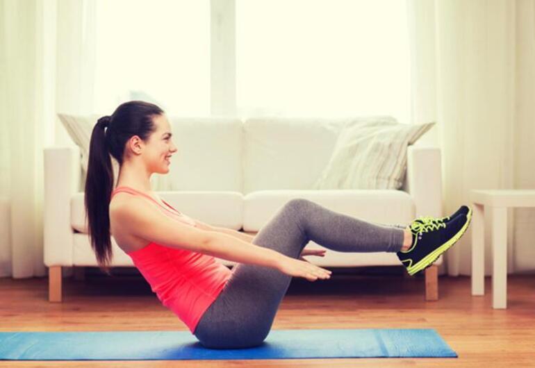 Vücudunuzu hızlıca şekillendirecek 4 basit egzersiz