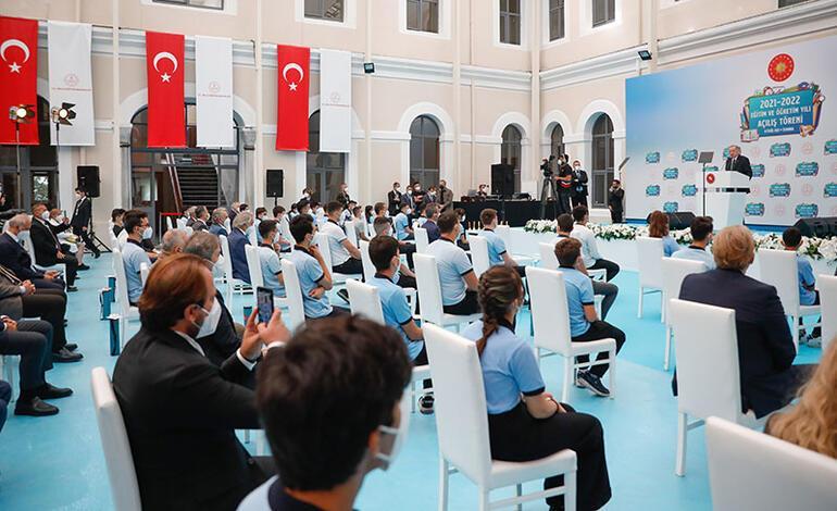 Son dakika Cumhurbaşkanı Erdoğan: Yüz yüze eğitimi devam ettirmekte kararlıyız