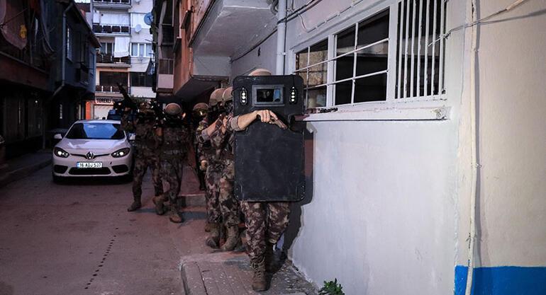 Bursada operasyon 850 polisle kapıya dayandılar