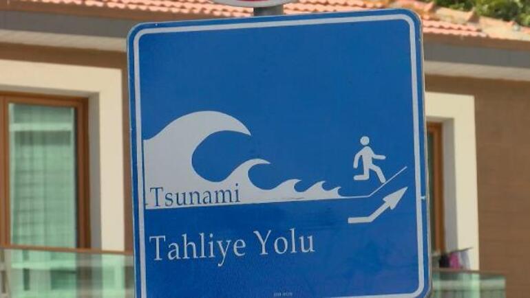 İstanbulda tsunamiden kaçış tabelaları