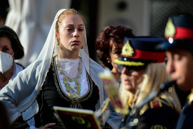 Son dakika... Theodorakise elveda Cenazede dikkat çeken detay...