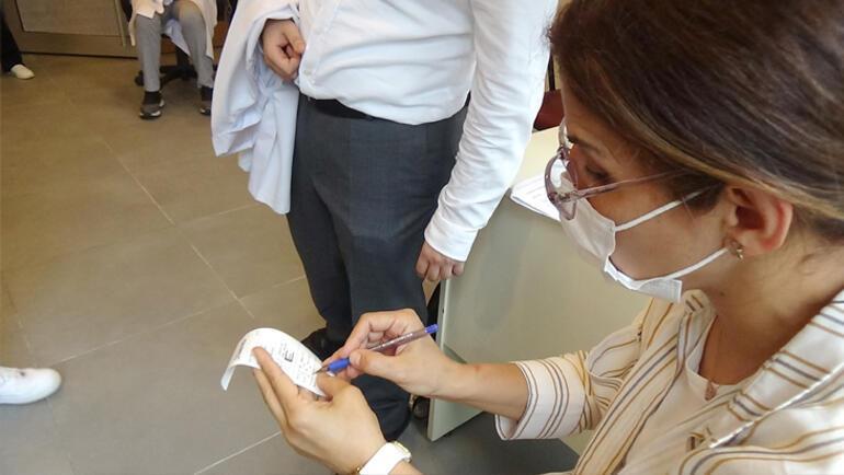 Prof. Dr. Mehmet Ceyhandan önemli 3. doz ve test uyarısı Rehavete kapılmayın