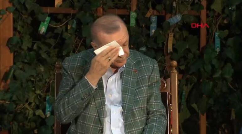 Son dakika Cumhurbaşkanı Erdoğanı duygulandıran şiir Gençlerle buluştu