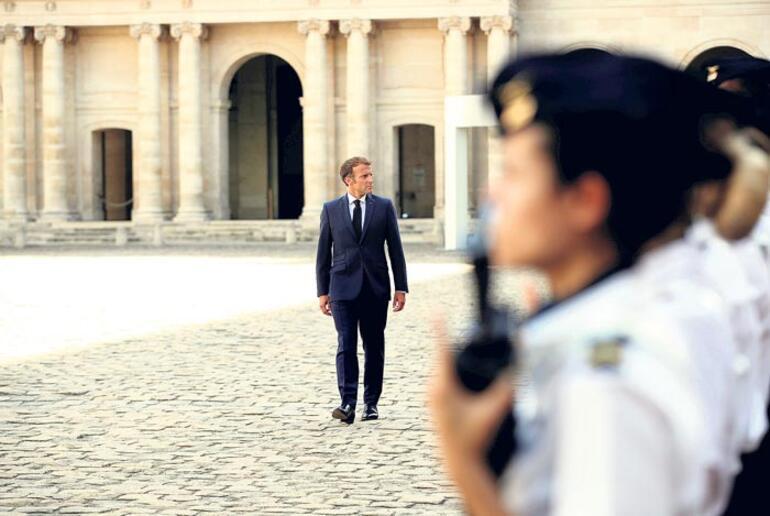 Fransa'da sağ liderini arıyor