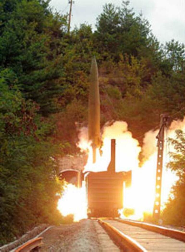 Son dakika... Gizemli füzelerin görüntüleri yayınlandı Kuzey Kore yine şoke etti