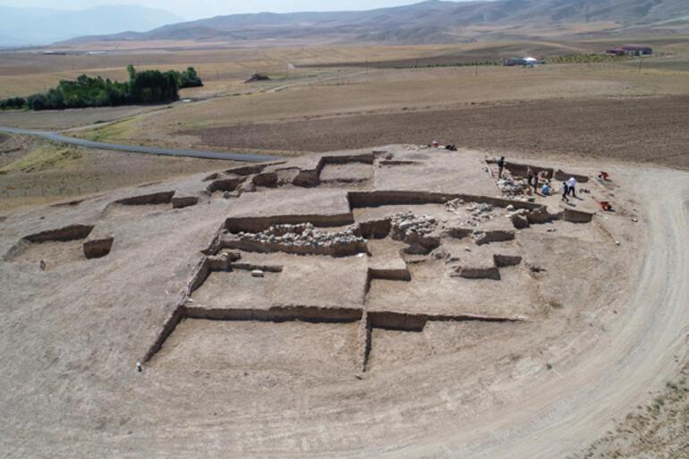 Çavuştepe Kalesinde yeni mezar tipi bulundu Böylesi ilk kez görüldü