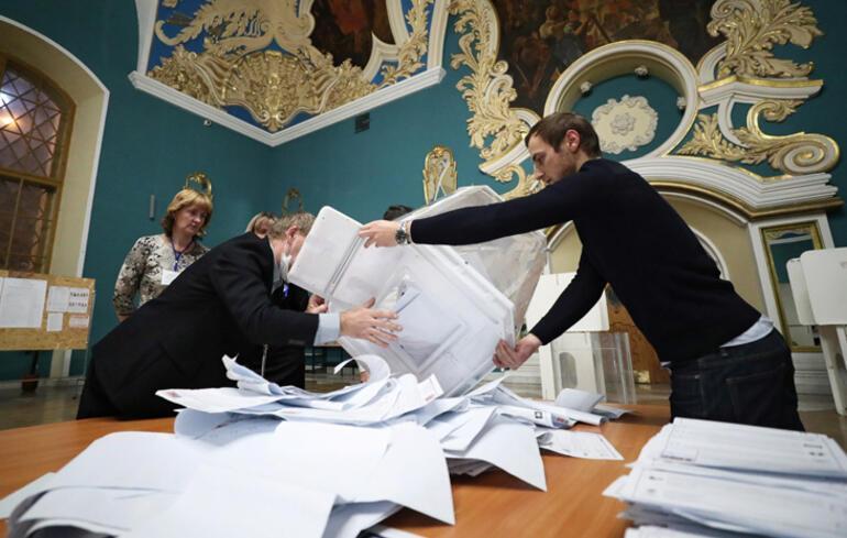 Rusyada ilk sonuçlar: Putinin partisi oyların yüzde 46sını aldı