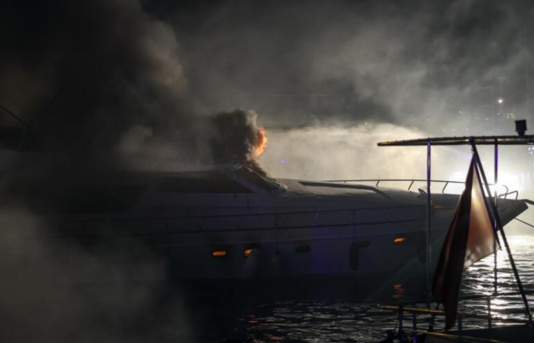 İstanbulda tekne yangını Herkesin gözü önünde böyle battı