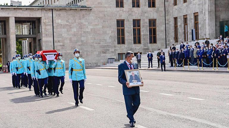 Şahin Mengü için Mecliste cenaze töreni düzenlendi