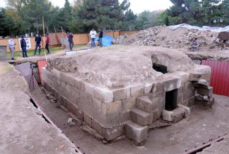 Kayseride heyecanlandıran keşif 8 asırlık mezarlıkta ortaya çıktı